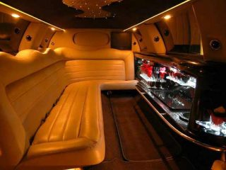 Lincoln limo party rental Memphis