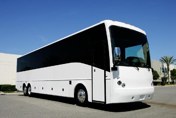 Memphis 50 Passenger Charter Bus